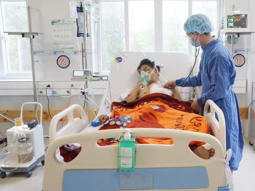 Cứu sống bệnh nhân bị bứt động mạch. Ảnh: C.K