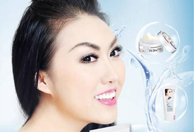 Diễn viênPhi Thanh Vân quảng bá hình ảnh cho sản phẩm.