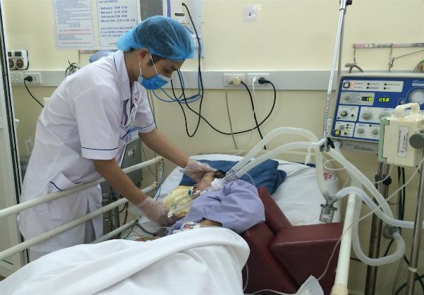 Bệnh nhân hôn mê sâu đang được theo dõi tích cực. Ảnh: Bệnh viện cung cấp.