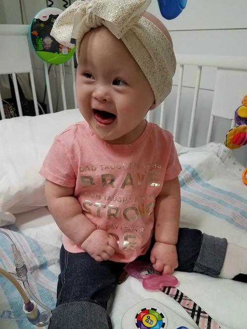 Vừa bị Down vừa bị ung thư, Grace vẫn giữ nụ cười trên môi. Ảnh: People.