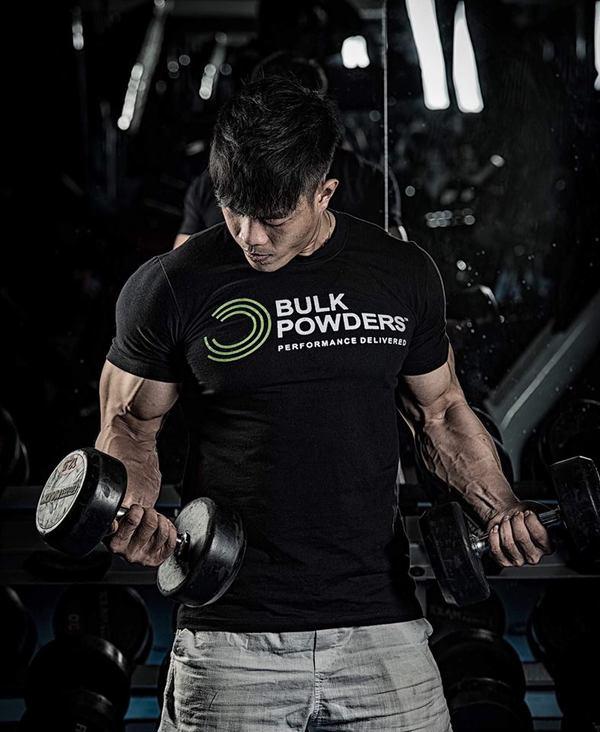 Chàng trai Sài Gòn cơ thể như tạc tượng nhờ khổ luyện gym