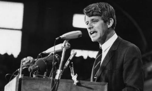 Ứng viên Tổng thống Mỹ, thượng nghị sĩ Robert Kennedy bị ám sát năm 1968. Ảnh: GI.