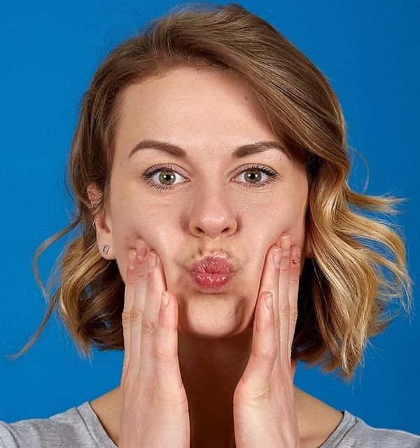7 bài tập đơn giản giúp bạn giảm mỡ cằm