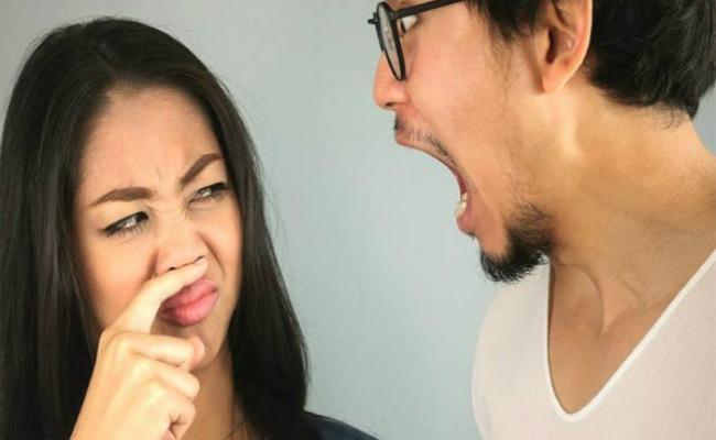 Tiêu hóa có vấn đềgây ra hôi miệng vàmùi hôi trên cơ thể. Ảnh: MH