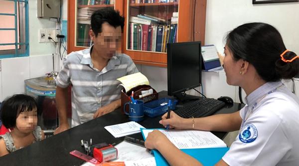 Trẻ khám tâm lý tại Bệnh viện Nhi đồng 1 (TP HCM). Ảnh: T.L