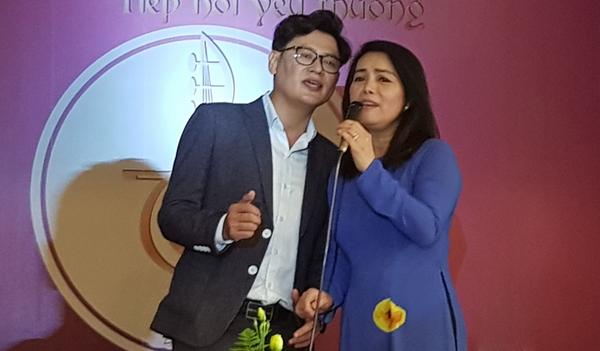 Các đêm nhạc gây quỹ giúp bệnh nhân khó khăn được y bác sĩ tại TP HCM duy trì suốt hai năm qua. Ảnh: Lê Phương.