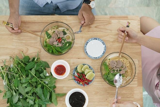 Cần dựa vào nhu cầu của từng người để có cách bổ sung thực phẩm phù hợp cho bữa ăn đa dạng, dinh dưỡng.