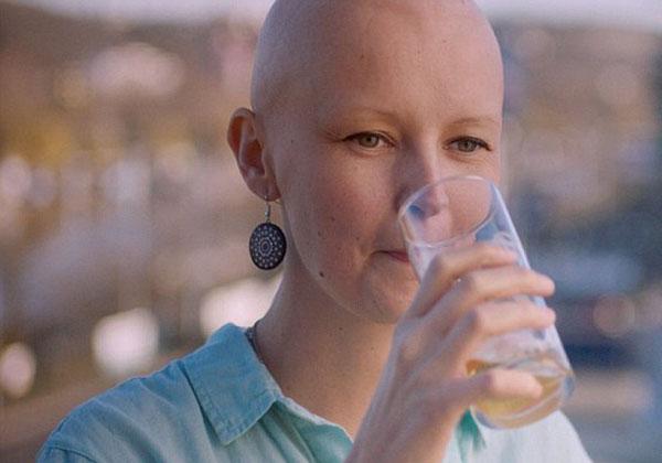 Bia Mamma được sản xuất ra giúp người bệnh ung thư có thể ăn uống ngon miệng hơn. Ảnh: DM