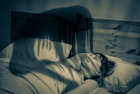 Bóng đè không nguy hiểm về sức khỏe nhưng khá đáng sợ làm ảnh hưởng đến tâm lý. Ảnh: WLD