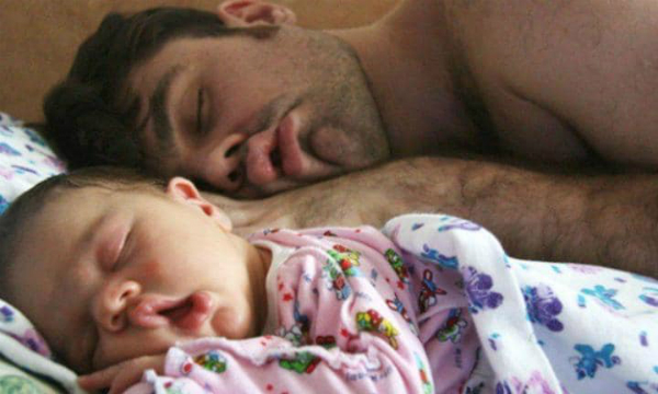 Nếu xét về mặt di truyền, chúng ta giống bố nhiều hơn giống mẹ. Ảnh: KS