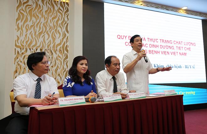 Phó giáo sư, tiến sĩ, bác sĩ Lương Ngọc Khuê chia sẻ về chất lượng công tác dinh dưỡng tiết chế trong bệnh viện ở nước ta.