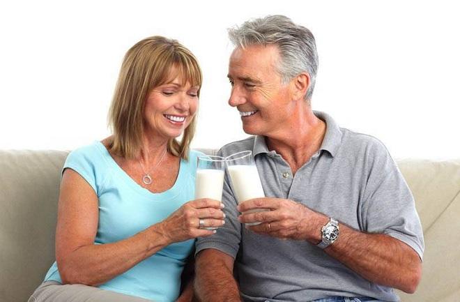 Thực phẩm bổ sung đạm Whey giúp nhẹ bụng, dễ tiêu, hỗ trợ ngăn ngừa các căn bệnh tuổi già.