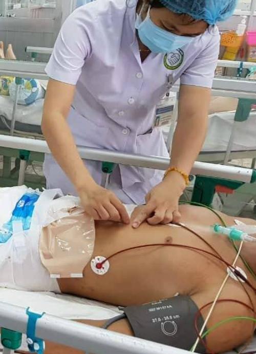 Bệnh nhân được theo dõi sát sau mổ. Ảnh bệnh viện cung cấp.