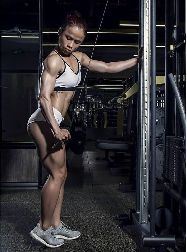 10 năm tập aerobic rèn cơ thể cô gái như tượng tạc