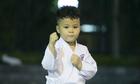 cau-be-4-tuoi-o-ha-noi-hang-ngay-luyen-vo-karate