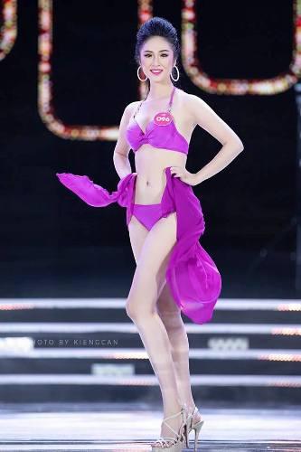 Yến Nhi tự tin sải bước với vóc dáng chuẩn đẹp trong cuộc thi Hoa hậu Việt Nam 2018. Ảnh: C.K.