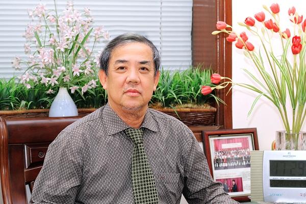 bs Nguyễn Thành - Nguyên trưởng khoa khám bệnh, Bệnh viện da liễu Trung ương