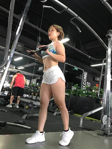 Cô gái Hà Nội tăng vọt 70 kg khiến bạn bè nghi ngờ mang bầu - 1