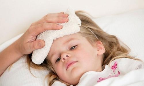 Triệu chứng và cách xử trí sốt xuất huyết ở trẻ