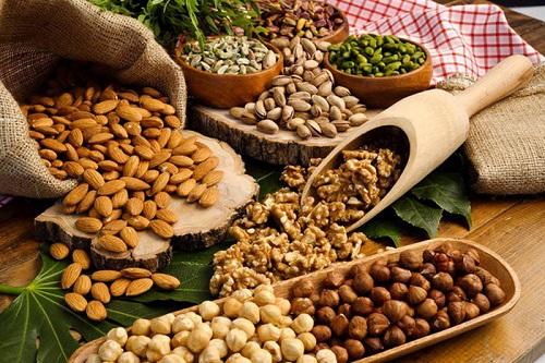 Chất béo tốt cho cơ thể có nhiều trong các loại hạt.