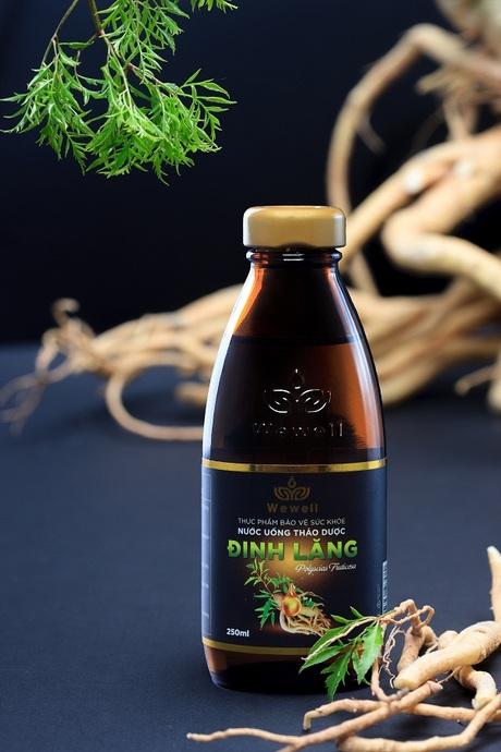 Kết quả hình ảnh cho Nước Uống Thảo Dược Wewell Đinh Lăng Chai 250ml