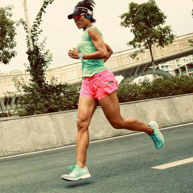 Chị Phương chinh phục các giải chạy thử thách nhất Việt Nam.