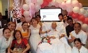 Bệnh nhân ung thư giai đoạn cuối cầu hôn bạn gái trên giường bệnh