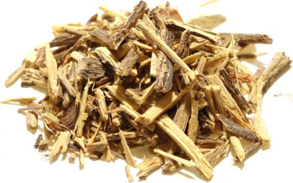 Cam thảo chứa axit glycyrrhizic, làm giảm sản xuất testosterone, ảnh hưởng đến sinh lý nam giới.