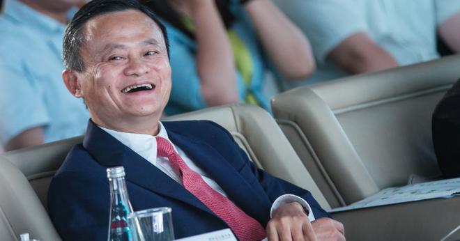 Jack Ma chia sẻ khoảnh khắc hạnh phúc nhất của cuộc đời là khi mìnhlàm một giáo viên nghèo. Ảnh: CNBC