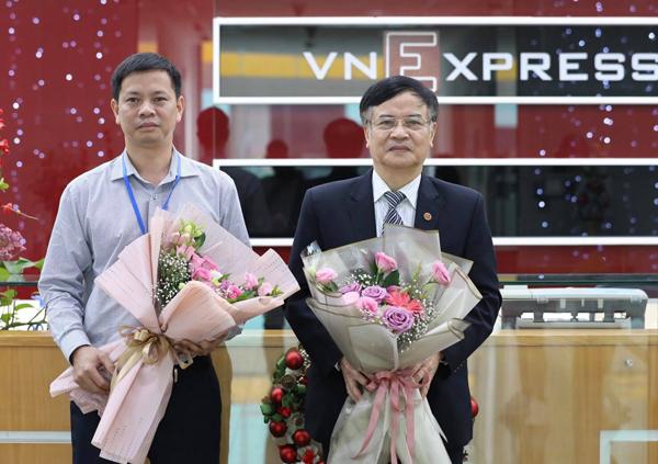 Bác sĩ Nguyễn Bá Đăng (trái) và Giáo sư Phạm Nhật An tại buổi tư vấn trực tuyến.