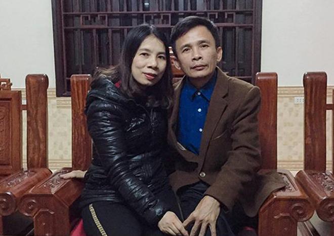 Vợ chồng ông Nhật bà Sương sau khi ông xuất viện. Ảnh: Quang Hà