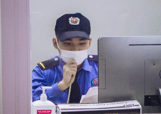 Bảo vệ tại bệnh viện bạch mai