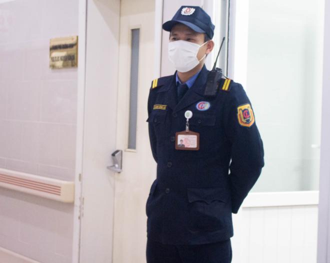 bảo vệ tại bệnh viện bạch mai làm việc cả ngày tết