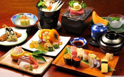 Sushi và sashimi của người Nhật không thể thiếu nguyên liệu cá biển.