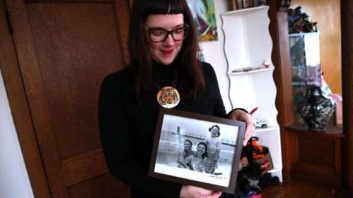 Người phụ nữ tìm thấy 15 anh chị em sinh ra từ tinh trùng hiến tặng - ảnh 1