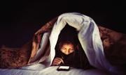 Ánh sáng xanh điện thoại gây trầm cảm