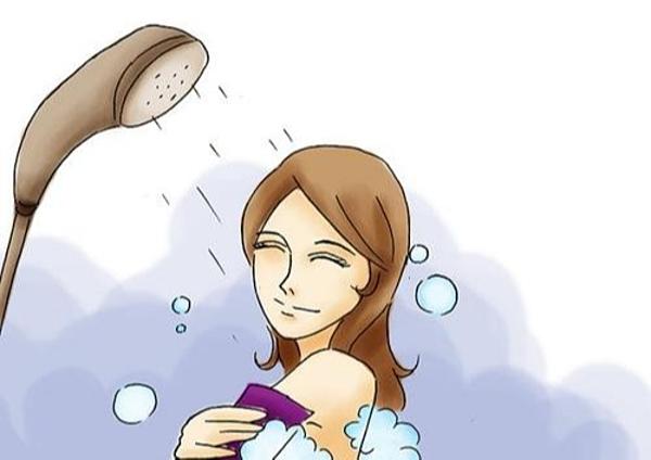 Không nên tắmtrước và ngay sau thời điểm quan hệ tình dục mà nên thực hiện cách nhautầm 30 phút.
