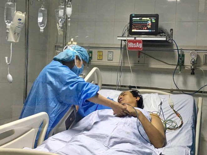 Bệnh nhân 49 tuổi ghép một phần lớn lá gan của người hiến, hiện sức khỏeổn định sau ca ghép. Ảnh: K.O.