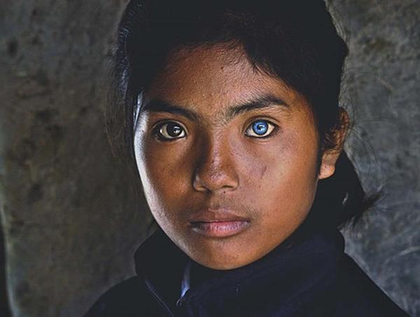 Cô bé này là Thạch Thị Sa Pa, con của một cặp vợ chồng người Chăm, sinh sống tại làng gốm Bàu Trúc thuộc xã Phú Quý, huyện Ninh Phước. Ảnh: Nhiếp ảnh giaNguyễn Vũ Phước