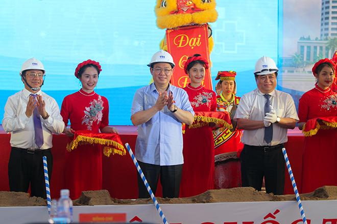 800 tỷ đồng xây bệnh viện quốc tế đầu tiên ở Hà Tĩnh - ảnh 1