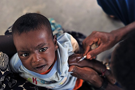360.000 trẻ em Châu Phi được tiêm phòng sốt rét. Ảnh: PhillyVoice