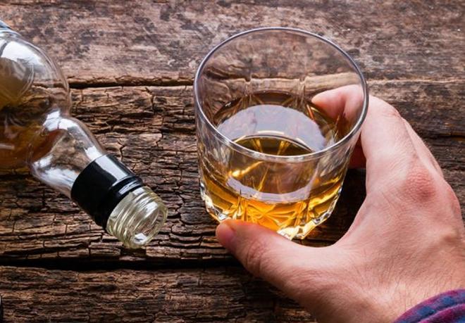 Chỉ sau 10 phút,bạn sẽ cảm nhận được ảnh hưởng của rượu lên toàn cơ thể. Ảnh: Health