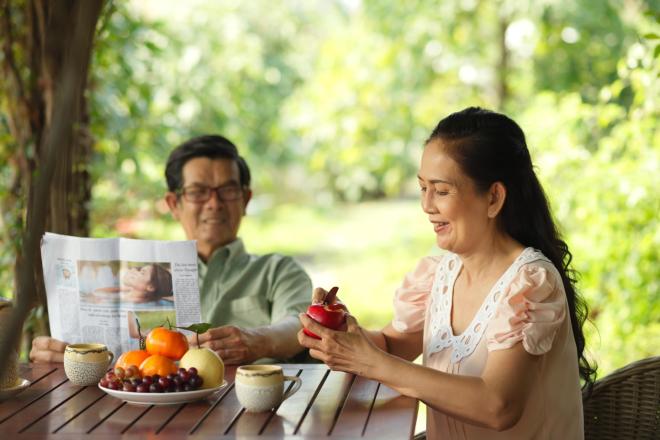 Dinh dưỡng đúng cách giúp tăng cường trí nhớ cho người cao tuổi.