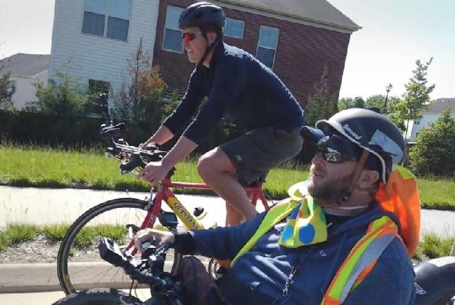 Người đàn ông liệt đi gần 5.000 km truyền cảm hứng sống - ảnh 1