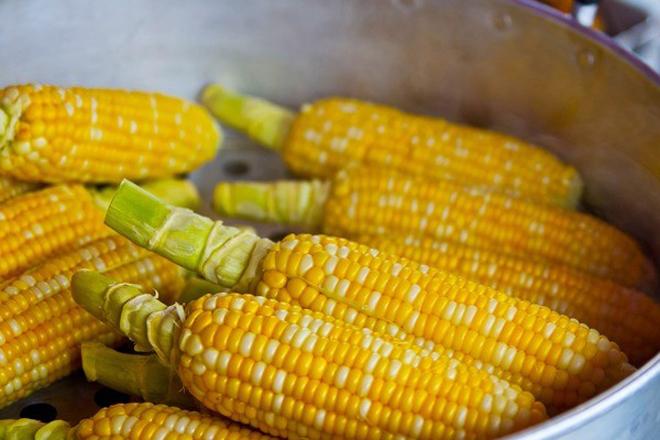 9 thực phẩm bạn không nên ăn khi đeo niềng răng