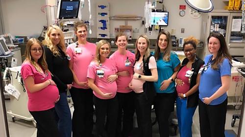 17 nhân viên một khoa cấp cứu bệnh viện Mỹ cùng mang thai - ảnh 1