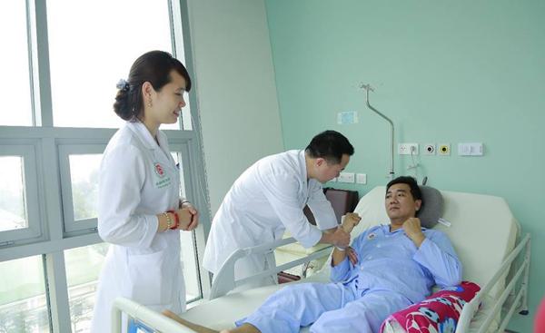 Bệnh nhân đột quỵ não được cấp cứu tại Bệnh viện Trung ương Quân đội 108. Ảnh: Bệnh viện cung cấp.