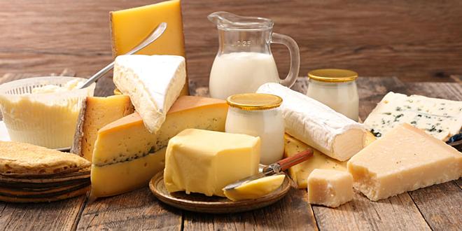 Phô mai, sữa tươi vàbánh mì được cho là hiệu quả và tiện dụng hơn những thực phẩm khác trong việc chống say rượu bia.