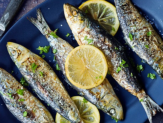 Cá giàu chất dinh dưỡng nhưng chế biến không kỹ có thể gây độc. Ảnh: Health