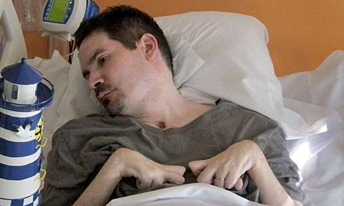 Vincent Lambert trên giường bệnh. Ảnh: sudouest.fr.